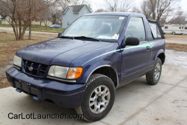 Used 2003 Chevy Tracker for sale at CARLOTLAUNCHER in Any Town IA